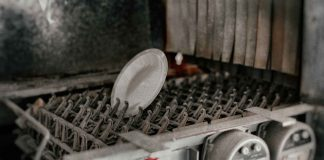 Tips-to-Know-for-Disposing-of-Your-Old-Dishwasher-on-intelligentking